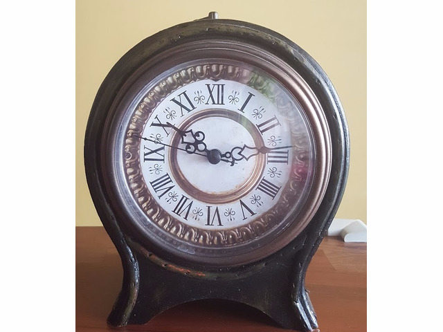 SOLD! Beautiful antique clock cabinet - 1/1