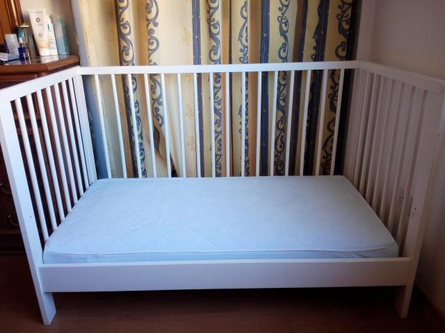 Baby & Toddler bed / cot in very good condition - 1/5