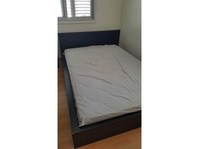 Krevati ikea kai Makkarest Stroma! Ikea Malm bed with rarely used Makkarest mattress - 1/2