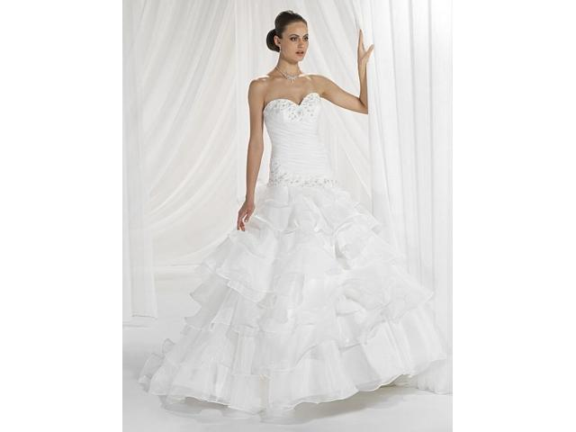 Wedding dress in excellent condition - 1/1
