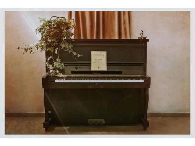Used Pianos for Decoration - 5/8