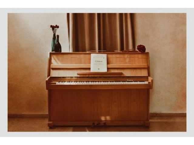 Used Pianos for Decoration - 6/8