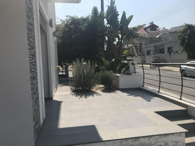 4 Bedroom Brand New House Mesa Geitonia - 17/18