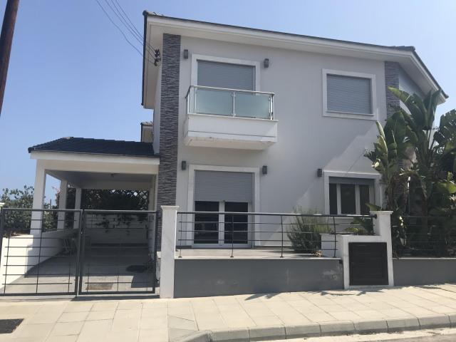 4 Bedroom Brand New House Mesa Geitonia - 14/14
