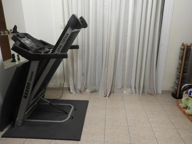 TREADMILL LIKE NEW - 3/6