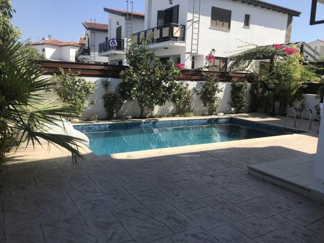 Detached villa with private swimming pool near the beach - 7/9