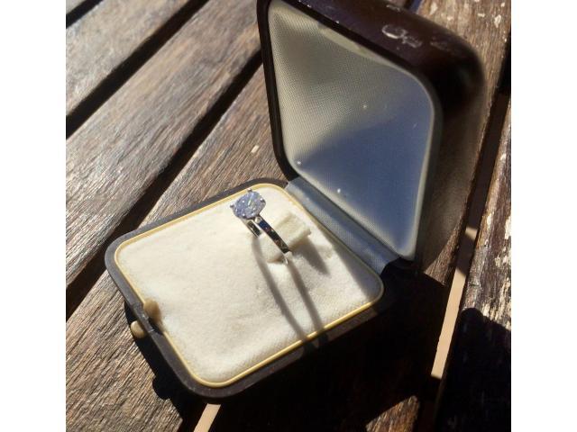 Large 1.16 carat, d/vs2 diamond ring with full original certificate - 1/9