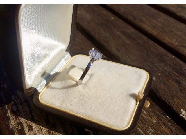 Large 1.16 carat, d/vs2 diamond ring with full original certificate - 4/9