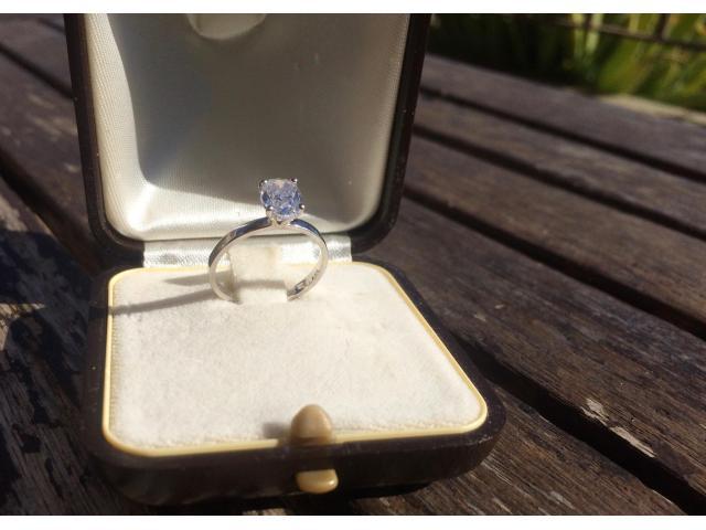 Large 1.16 carat, d/vs2 diamond ring with full original certificate - 8/9