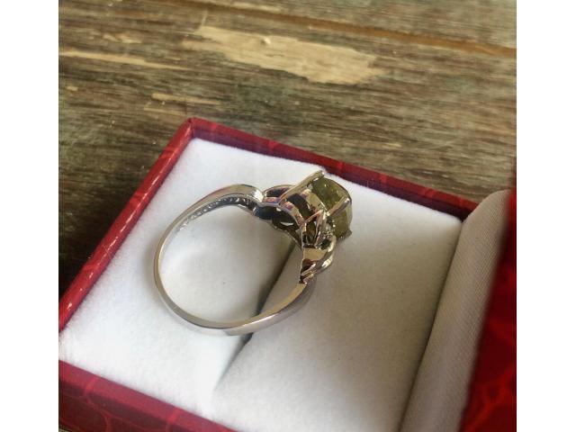 Ultra rare large natural fancy green diamond ring 2.77 carat - 10/11