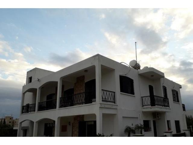 mouttagiaka - 3 bedroom semi-detached upper level house - 2/8