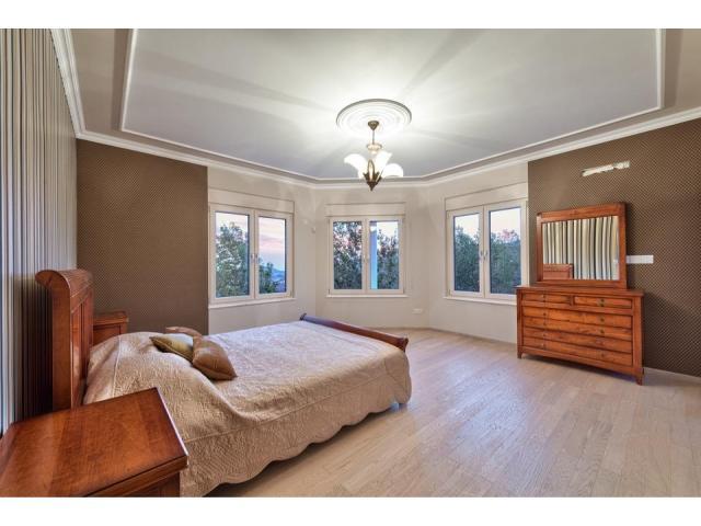 RN SPS 194 / 5 Bedroom villa in Agios Tychonas area – For sale - 6/17