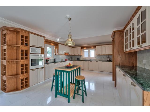 RN SPS 194 / 5 Bedroom villa in Agios Tychonas area – For sale - 8/17