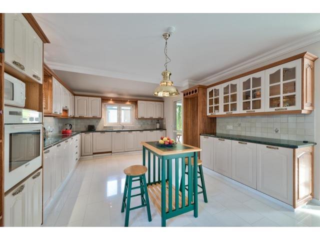 RN SPS 194 / 5 Bedroom villa in Agios Tychonas area – For sale - 9/17
