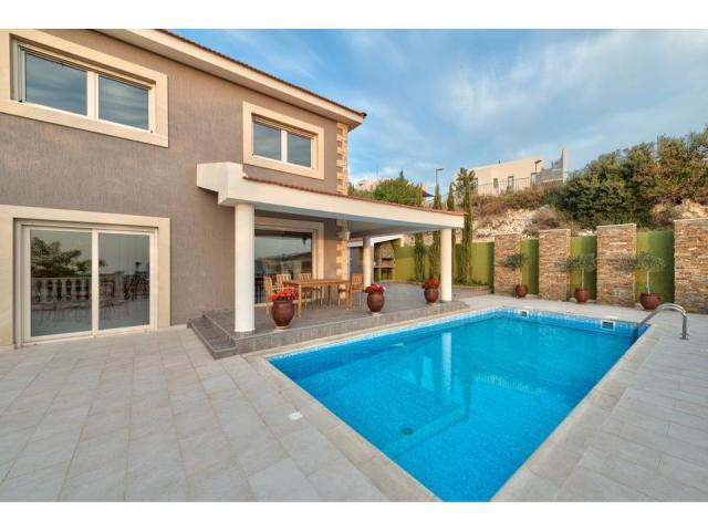 RN SPS 194 / 5 Bedroom villa in Agios Tychonas area – For sale - 16/17