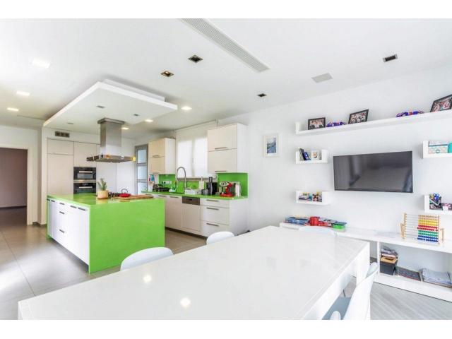 RN SPS 215 / 5 Bedroom villa in Agia Fyla area – For sale - 5/14