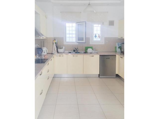 RN SPS 222 / 4 Bedroom villa in Agios Tychonas – For sale - 2/13