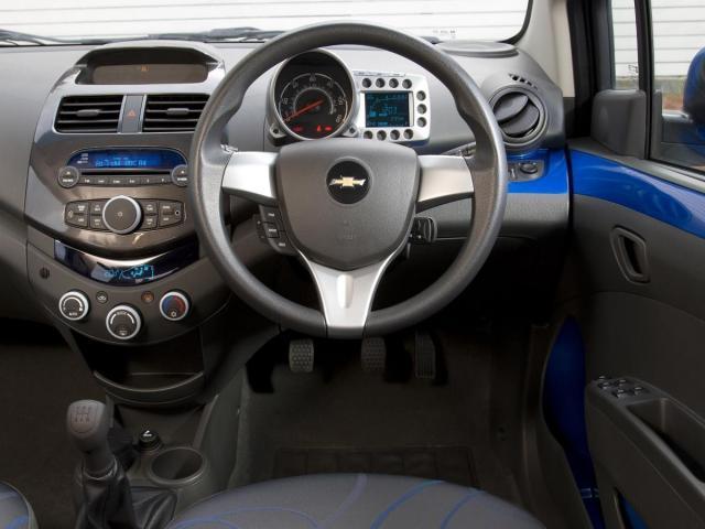 Chevrolet spark 1.2 LT 2011 - 2/2