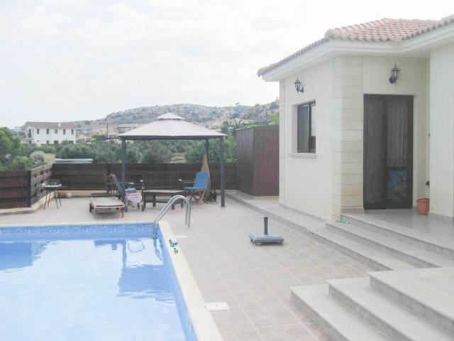 RN SPS 237 / 3 Bedroom bungalow in Pyrgos area – For sale - 4/12