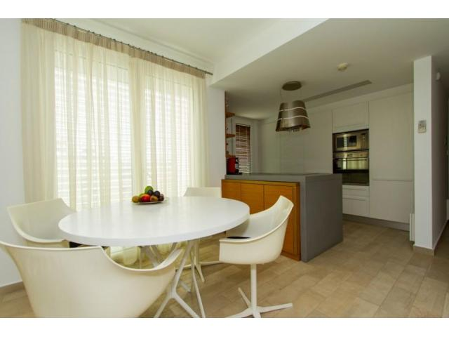 RN SPR 498 / 4 Bedroom apartment in Potamos germasogeias – For rent - 4/11