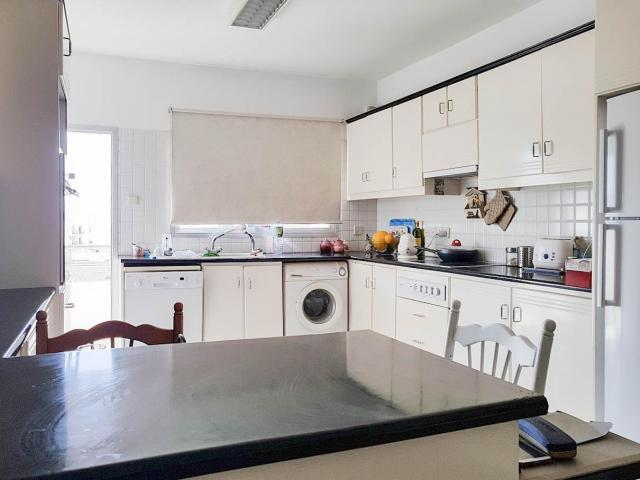 RN SPS 257 / 3 Bedroom apartment in Mesa geitonia area – For sale - 4/6