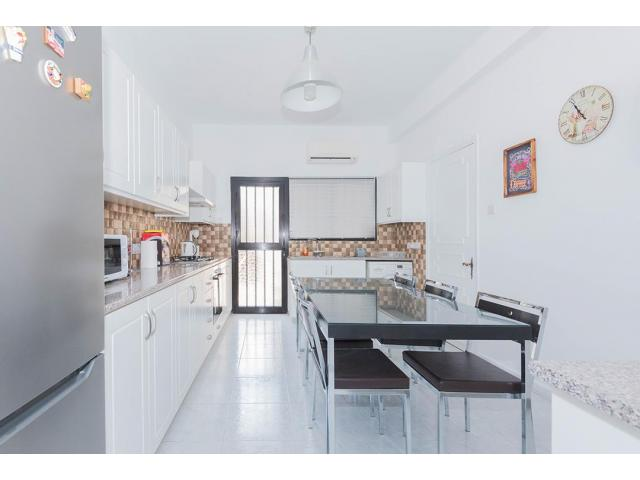 RN SPR 665 / 3 Bedroom house in Limassol city center – For rent - 7/13