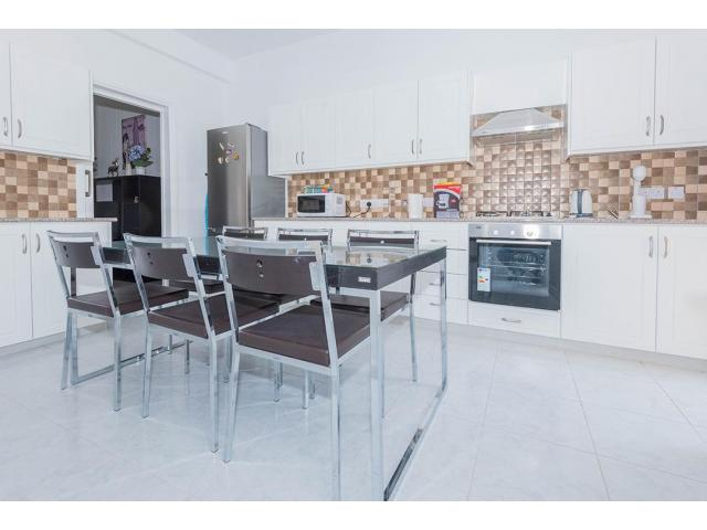 RN SPR 665 / 3 Bedroom house in Limassol city center – For rent - 8/13