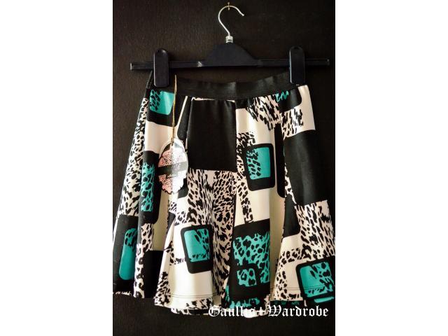 mini skirt - 2/3