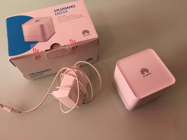 Huwaei E8259 Modem - 1/2